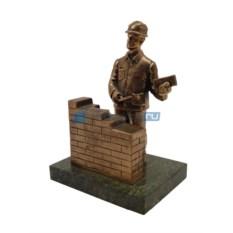 Статуэтка Строитель с кирпичной кладкой