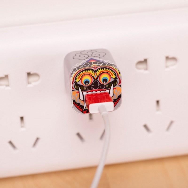 Наклейка для зарядного устройства Apple Джокер