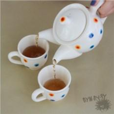 Чайный набор Уютный горошек из 2 чашек и чайника