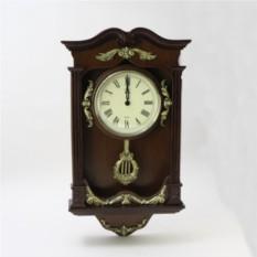 Настенные часы с маятником Зефир