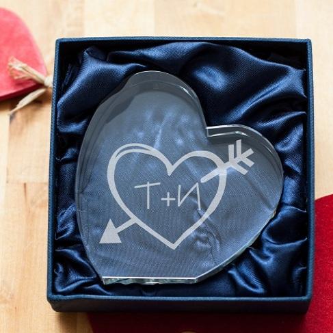 Стеклянная награда сердце Инициалы любимых