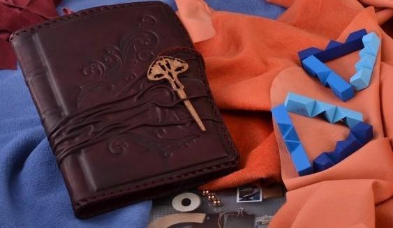 Подарочный ежедневник M.Studio (Бордовый; тип 2; нат. кожа)