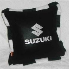 Черная подушка в кантом Suzuki