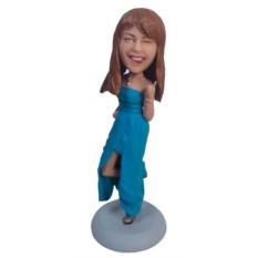 Статуэтка девушки по фото Озорница