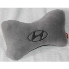Серая подушка-подголовник Hyundai