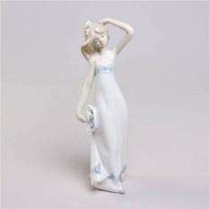 Декоративная статуэтка Девушка