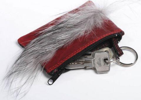 Красно-черная карманная ключница