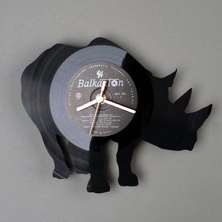 Виниловые часы Носорог