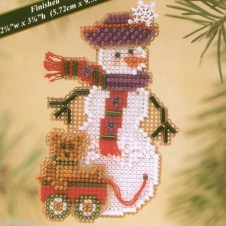 Набор для вышивания Mill Hill Снеговичок с медвежонком
