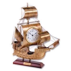Макет корабля с часами Santa Maria