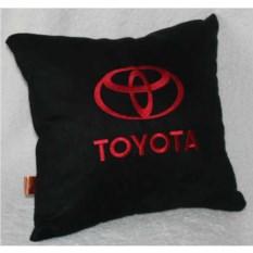 Черная с красной вышивкой подушка Toyota