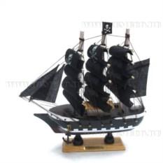 Корабль Confection (с пиратскими парусами)