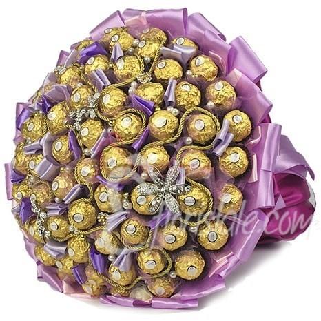 Букет из 101 конфеты Ферреро Роше (цвет: фиолетовый)