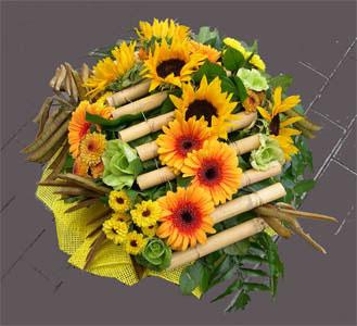 Корзина из цветов «Корзинка Йелло»