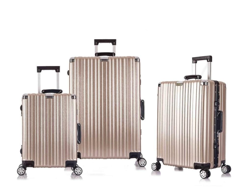 Где можно купитьй чемодан на колесах