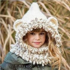 Детская вязаная шапка с ушками
