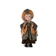 Фарфоровая кукла в шляпке