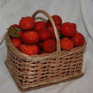 Подарочная корзина с фруктами «Дюймовочка»