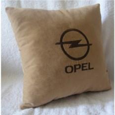 Белая с коричневой вышивкой подушка Opel