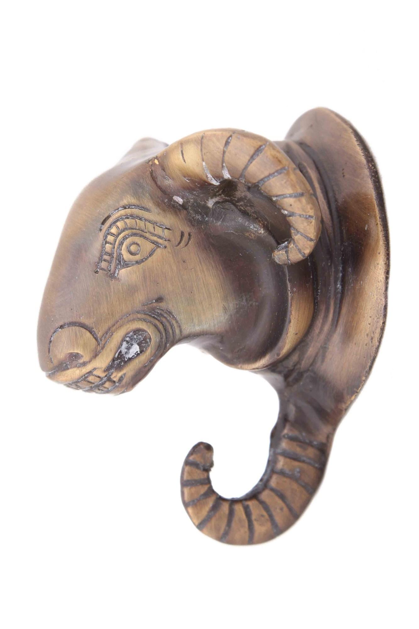 Декоративная металлическая вешалка Голова барана