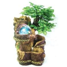 Декоративный фонтан с деревом и шаром