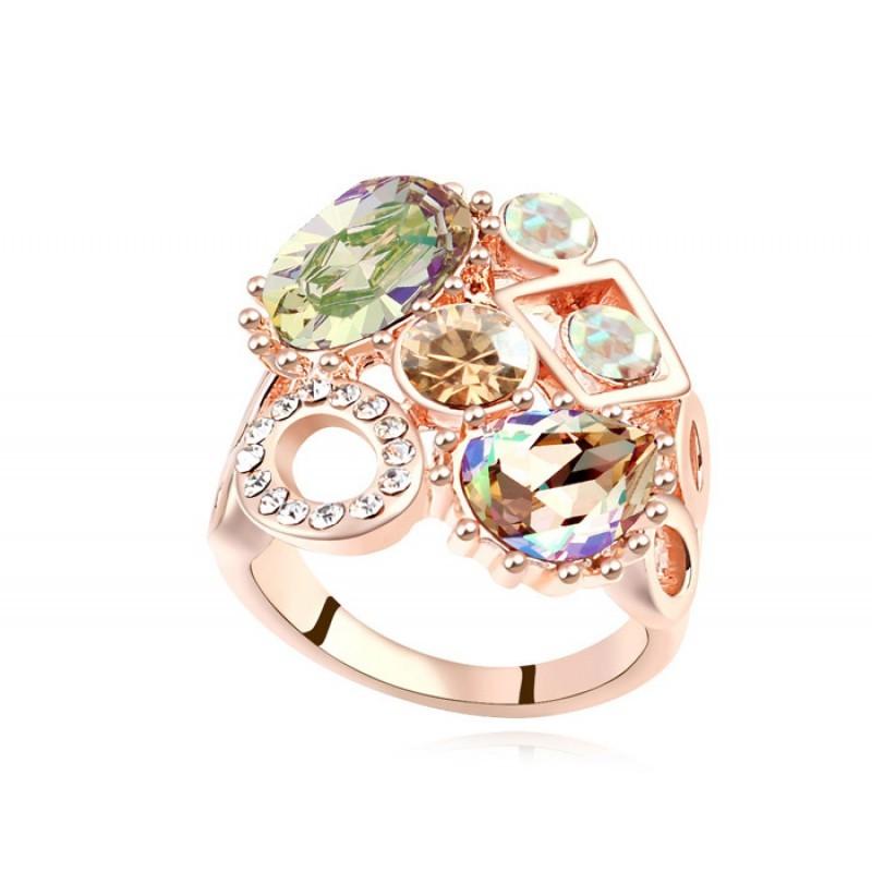 Кольцо «Коктейльное» с камнями Swarovski цвета шампань