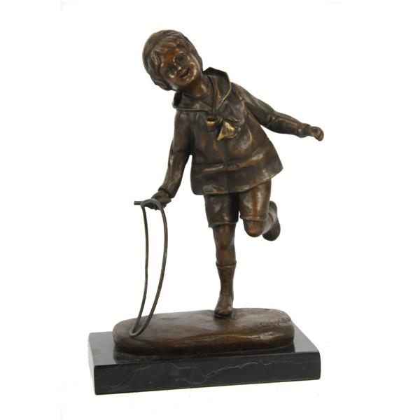 Бронзовая статуэтка Мальчик с обручем