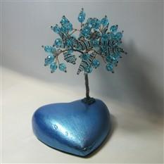 Дерево счастья из аквамарина на сердечке