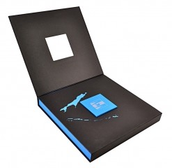 Пдарочная упаковка для набора бизнес-сувениров