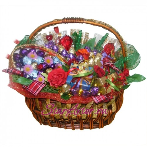 Букет из конфет Корзина изобилия