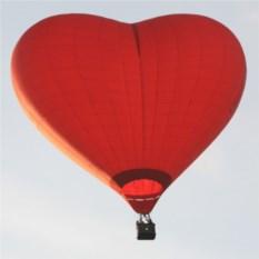 Полет на воздушном шаре для двоих (шар в форме сердца)