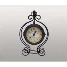 Настольные часы в металлическом корпусе