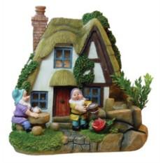 Фонтан с помпой Два гнома у дачного домика