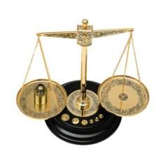 Декоративные весы с гирьками