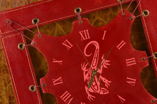 Часы из кожи Орнаментная ящерка (темно-красный)