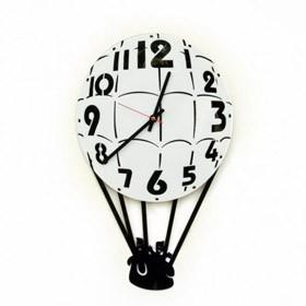 Часы настенные Путешествие на воздушном шаре