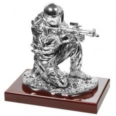 Скульптура с посеребрением Боец