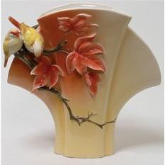 Фарфоровая скульптурная ваза Золотая пора