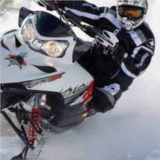 Катание на 1-местных снегоходах для двоих (30 мин)