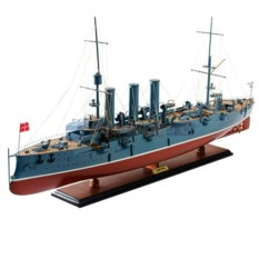 Модель Крейсер Аврора 102 см