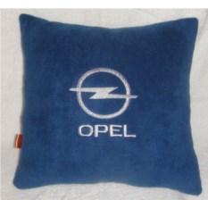Синяя подушка Opel с белой вышивкой