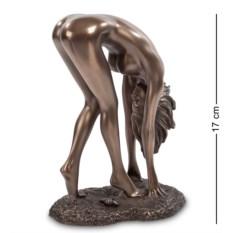 Статуэтка Девушка (высота 17 см)