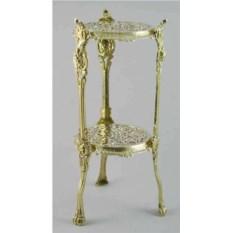 Маленький круглый столик со стеклом
