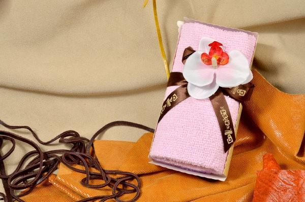Набор хлопковых полотенец Белая орхидея в розовой глазури.