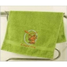 Зеленое махровое полотенце Стрелец