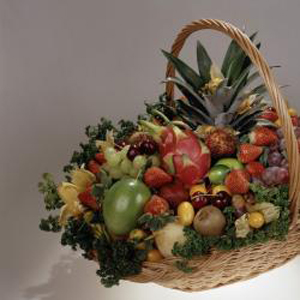 Корзина с фруктами V.I.P.