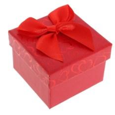 Красная подарочная коробка под кольцо Сердечки