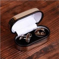 Овальные запонки с гравировкой в подарочной коробке