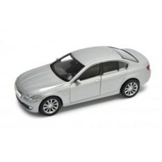 Машинка Welly в масштабе 1:34-39 BMW 535