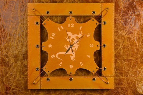 Часы из кожи Ящерка